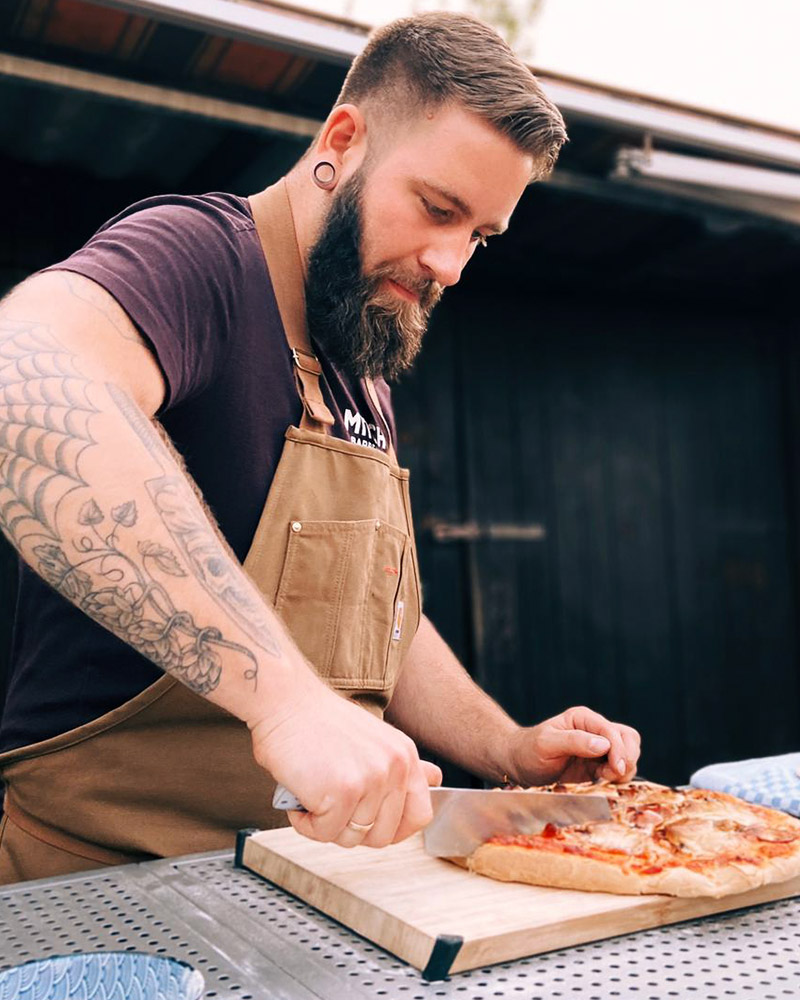 Pizza vom Holzkohlegrill